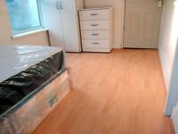 1 SPECIOUS DOUBLE ROOM AVAILABLE IN A BEAUTIFULLY REFURBISHED HOUSE TO LETIN STRATFORD