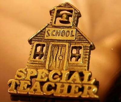 Cute School House For That Special Teacher Stick Pin Vintage 70's 252M6
