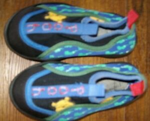 Winnie-the-Pooh WATER SHOES - As new Windsor Region Ontario image 2