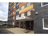 3 BED GFF FLAT IN BARKING (NO GARDEN) LOOKING FOR A 3 BUT WOULD TAKE A 2 IN RIGHT LOCATION