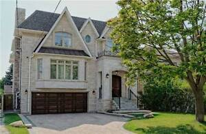 Wonderful 2-Storey House In The Heart Of N York At Athabaska Ave