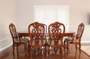 Beautiful Brown Dining Table Set (extendable)
