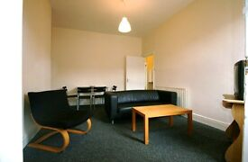 3 bedroom flat in Simonside Terrace, Heaton, Newcastle Upon Tyne, NE6