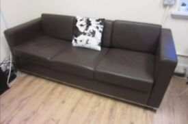 MODERN 3 SEATER BROWN FAUX LEATHER SOFA IN EXCELLENT CONDITION