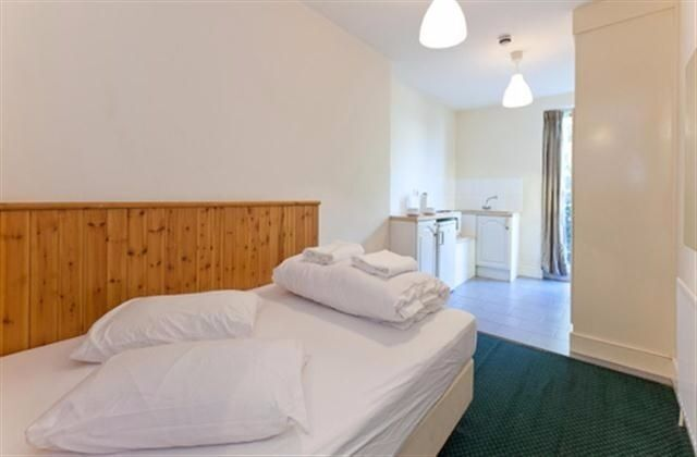 Double Studio Swiss Cottage £300 per week all bills