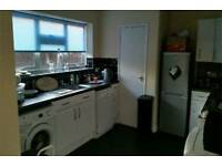 3 bed Upminster want 2 bed Colchester/ braintree