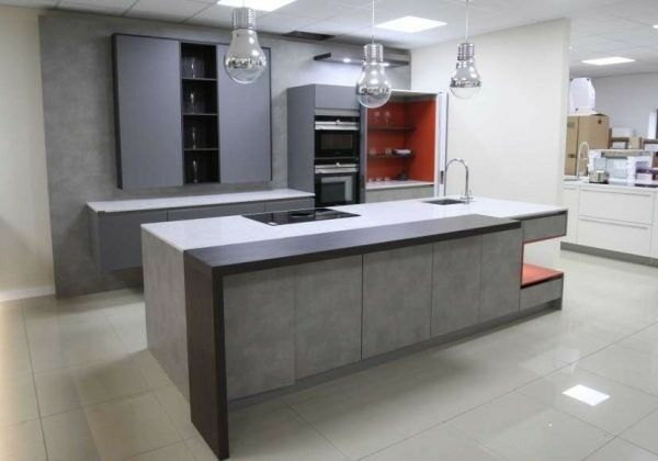 COMPLETE GERMAN KITCHEN WITH QUARTZ WORKTOPS and pocket doors EX ...