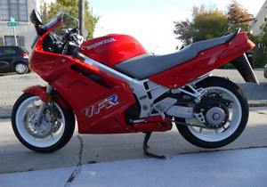 1990 Honda VFR - Many new parts