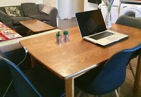 Spacious Ladbroke Grove Home office / desk spaces for hire a druing the day