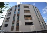 **2 BEDROOM APARTMENT FLAT, CLOSE TO UNI'S & ASDA IN HULME, RECENT RENNOVATION, FULLY FURNISHED**