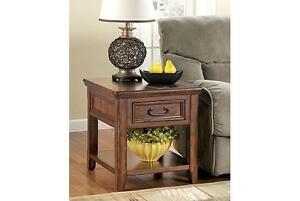 Ashleys Woodboro coffee and end table