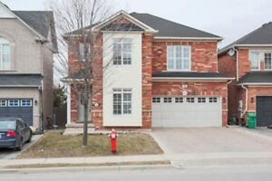 Fabulous Updated Family Home In Coveted Ravine In Fletcher's Mea