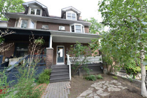 Bright Spacious Upper Beach  2 bed + Office Lovely Rooftop Deck