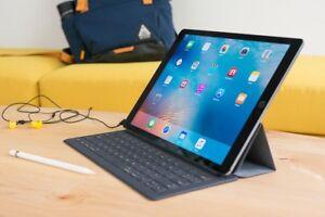 Used iPad Pro 1st Gen 128 GB + Apple Pencil + Apple Keyboard