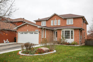 Fabulous Sunfilled 4 bdr 2700 Sqf Newly Renovated Home