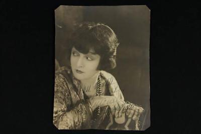 NobleSpirit {3970} Rare Film Actress Lya De Putti Signed Original Photograph