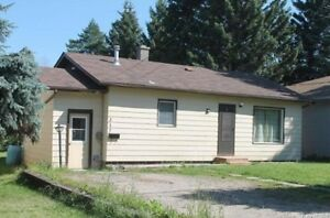 3 Bdrm Bungalow for Sale in Russell, MB!