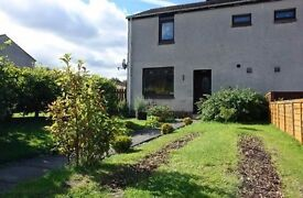Beautiful End Terrace Two Bedroom House. Garden close to Livingston North