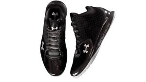 Under Armour Micro G threats size 10
