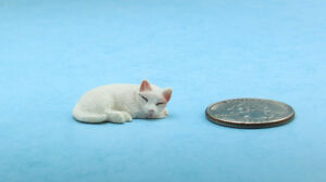 Adorable Dollhouse Miniature White Sleeping Cat #IM65445