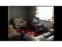 2 BED GROUND FLOOR FLAT WITH LARGE GARDEN - MAERDY