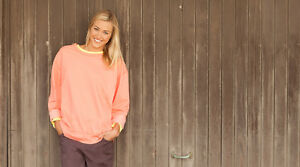 Old Navy women's coral sweatshirt Size Small Like new London Ontario image 1