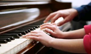 Engaging piano lessons for beginners! Southbank Melbourne City Preview