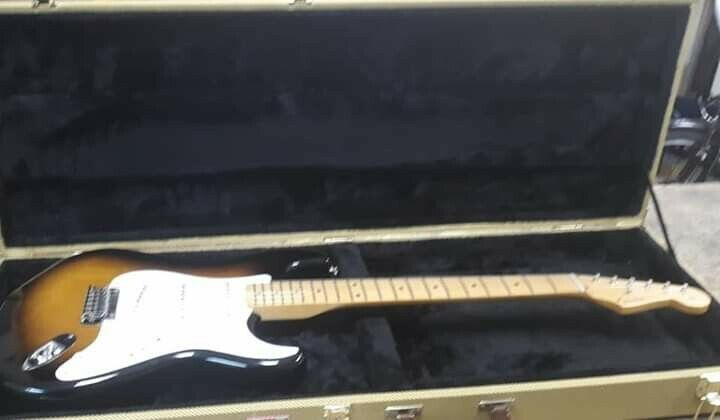 MEXICAN FENDER STRATOCASTER CUSTOM SHOP LUTHIER SET UP PRISTINE WITH CASE