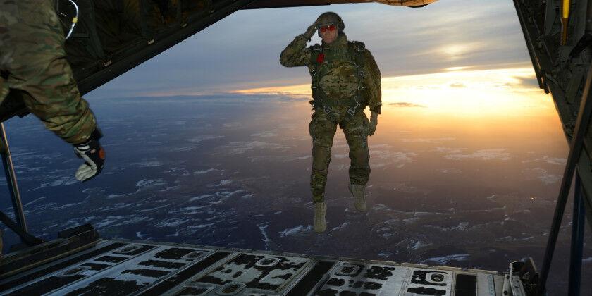 SENIOR PARACHUTIST JUMP WING HAT LAPEL PIN UP PARATROOPER US ARMY PARACHUTE GIFT