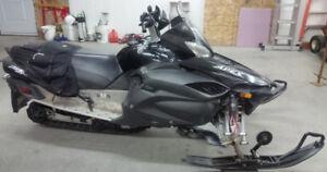 Motoneige APex GT 1000