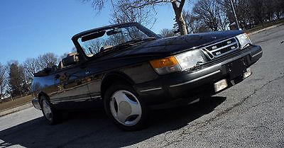 Der Saab 900 wurde ab 1986 auch als Cabriolet angeboten
