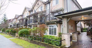 FULLY FURNISHED 3 FLOOR 2BR TOWNHOUSE IN NORTH BURNABY
