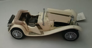 Vintage Diecast The Franklin Mint 1938 Jaguar SS-100 Model Car