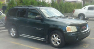 2005 GMC Envoy SUV, trailer hitch