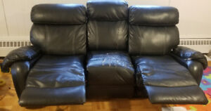 (438)8855-332 sofa/canapé 70$