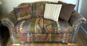 **LOUNGE SUITE** 2 Sofas (Couches) : 3 seater and love seat