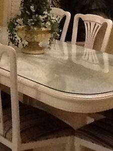 Kitchen Solid Oak Table and 8 Maple Wood Chairs