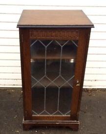 oak music/hifi cabinet with leaded glass door