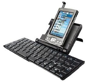Universal Wireless Keyboard by Palm Gatineau Ottawa / Gatineau Area image 2