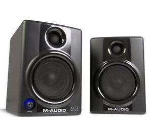 M Audio AV40 Powered Studio Monitor Speakers