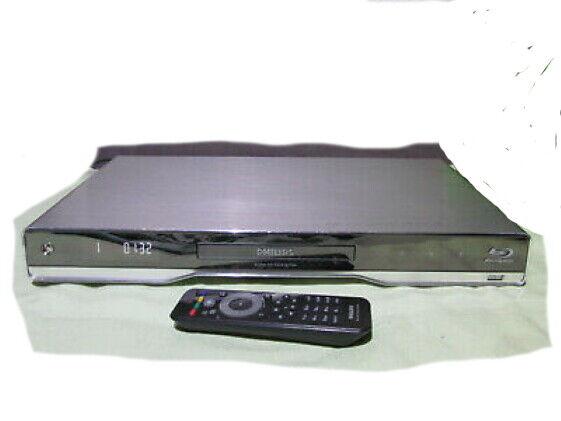 Blu Ray DVD Player von Philips BDP 7500 , HDMI , USB , 3 D fähig.