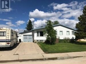 712 6 AVE, Fox Creek $349,000 MLS Number: 43581