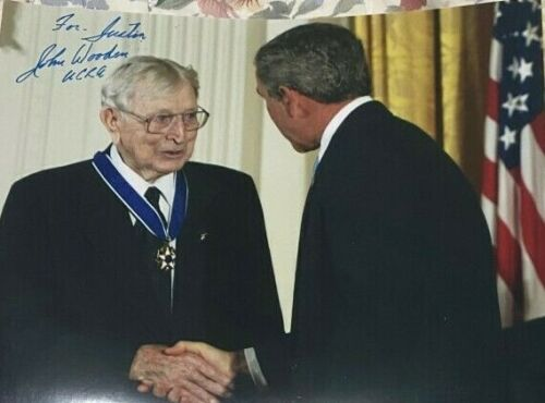John Wooden signed autographed 8x10 Photo UCLA George Bush