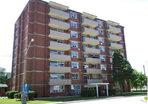 2 Bedroom APT- Heat Included - Giles Blvd Close to University