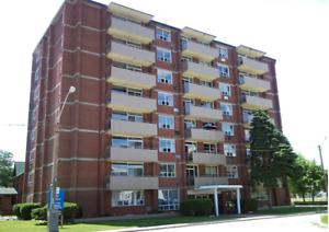 2 Bedroom APT- All Inclusive! - Giles Blvd Close to University