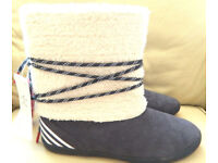 ADIDAS NEO ESKIMO WARM PULL ON FLAT ANKLE BOOTS SIZE 8 NAVY/WHITE NEW