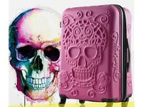 "💀 Brand New w/ Tags IT Luggage Hot Pink Embossed Skull Medium 24"" Expandable Hard Shell Suitcase"