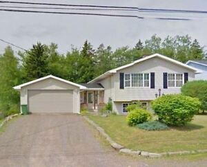 Duplex with Attached Garage for Sale – Perfect Income Property!