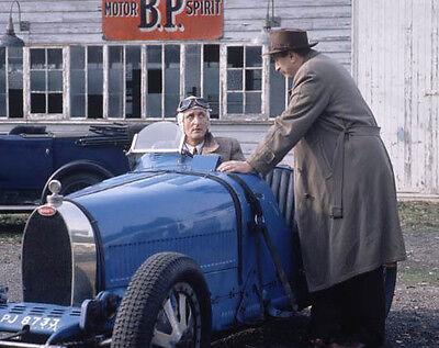Hugh Fraser and Philip Jackson UNSIGNED photo - H6028 - Poirot
