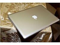MacBook Pro i7 128 GB SSD 8GB RAM 2 Graphic Cards